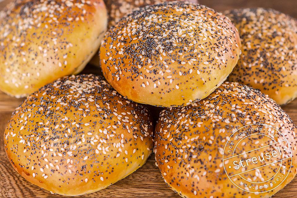 Rezept für Burgerbrötchen aus Dinkelmehl / Burgerbuns aus Dinkelmehl – selber machen