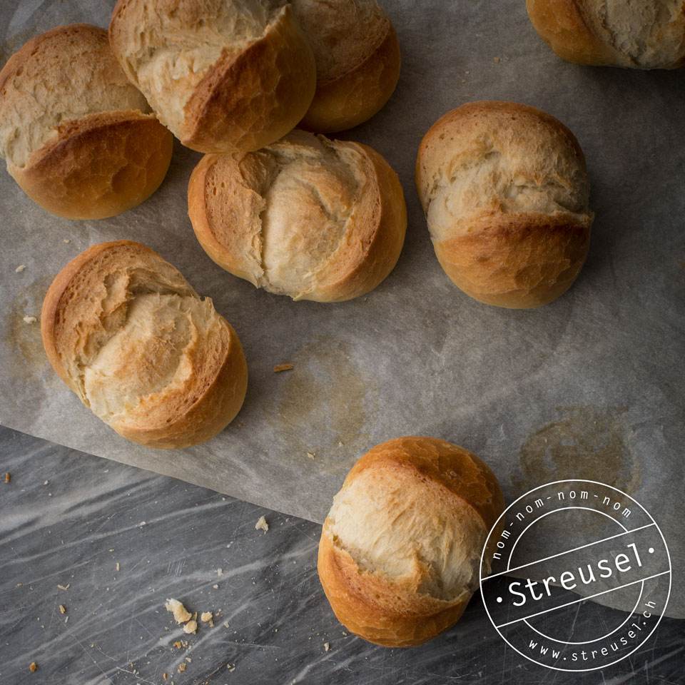 Rezept für Schweizer Semmeli / Semmeln