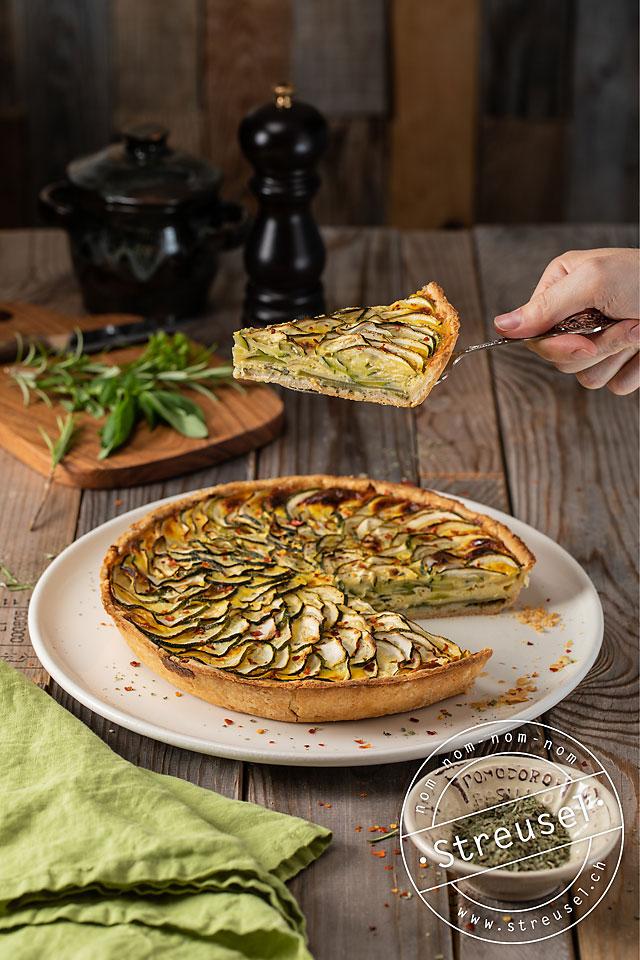 Rezept für Zucchini-Quiche mit Kräutern / Zucchetti-Wähe mit Kräutern – selber machen