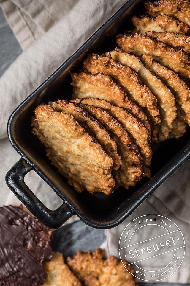 Rezept für Mandel-Knuspis – Mandel-Plätzchen mit Schokolade selber machen