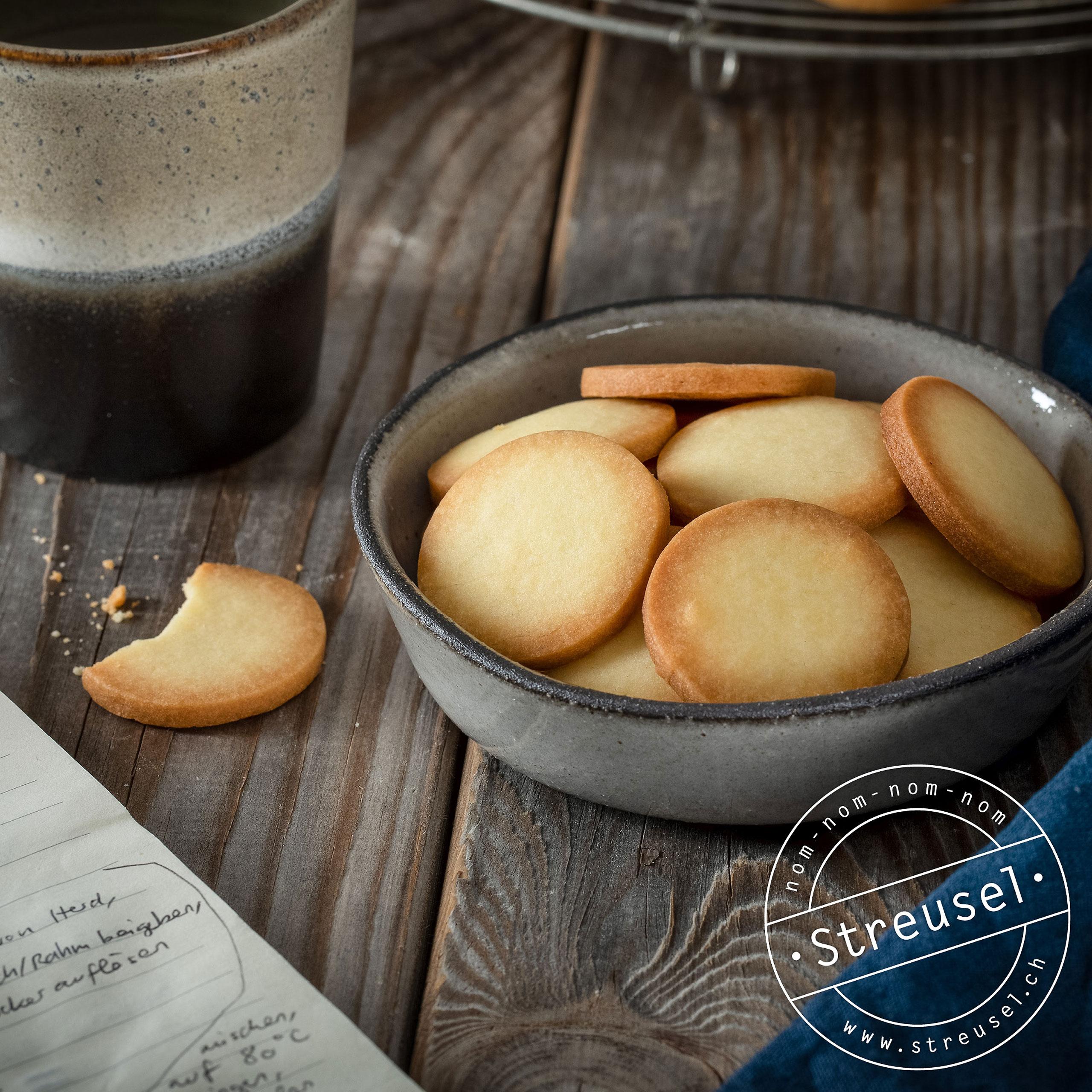 Rezept für selbst gemachte Butterkekse.