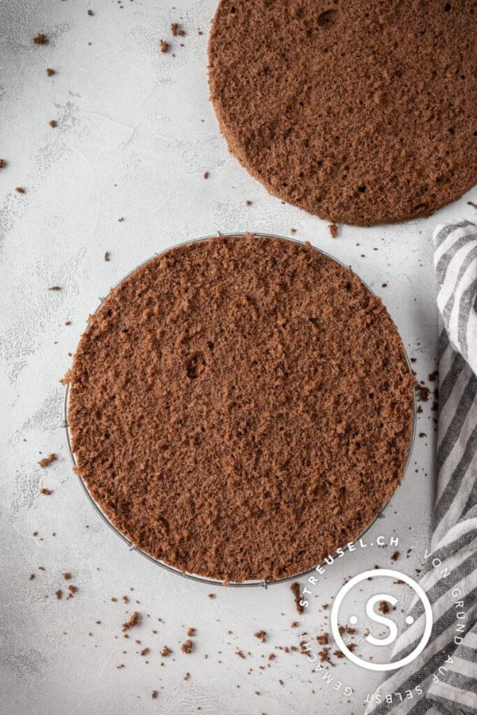 Rezept für selbst gemachtes Schokoladenbiskuit.