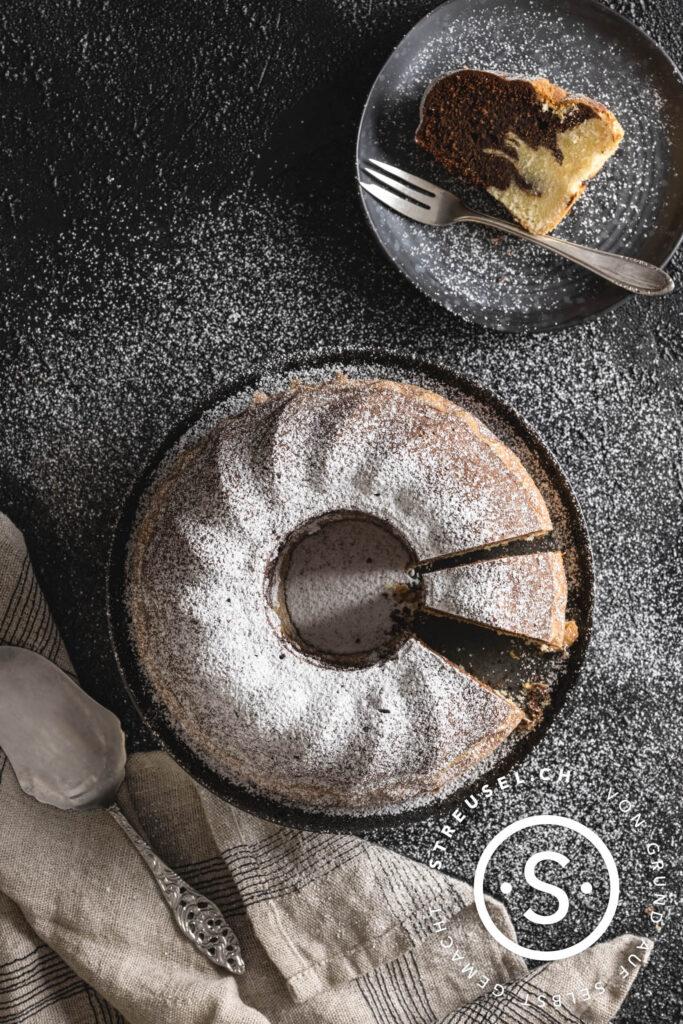 Rezept für selbst gemachten Marmorkuchen.